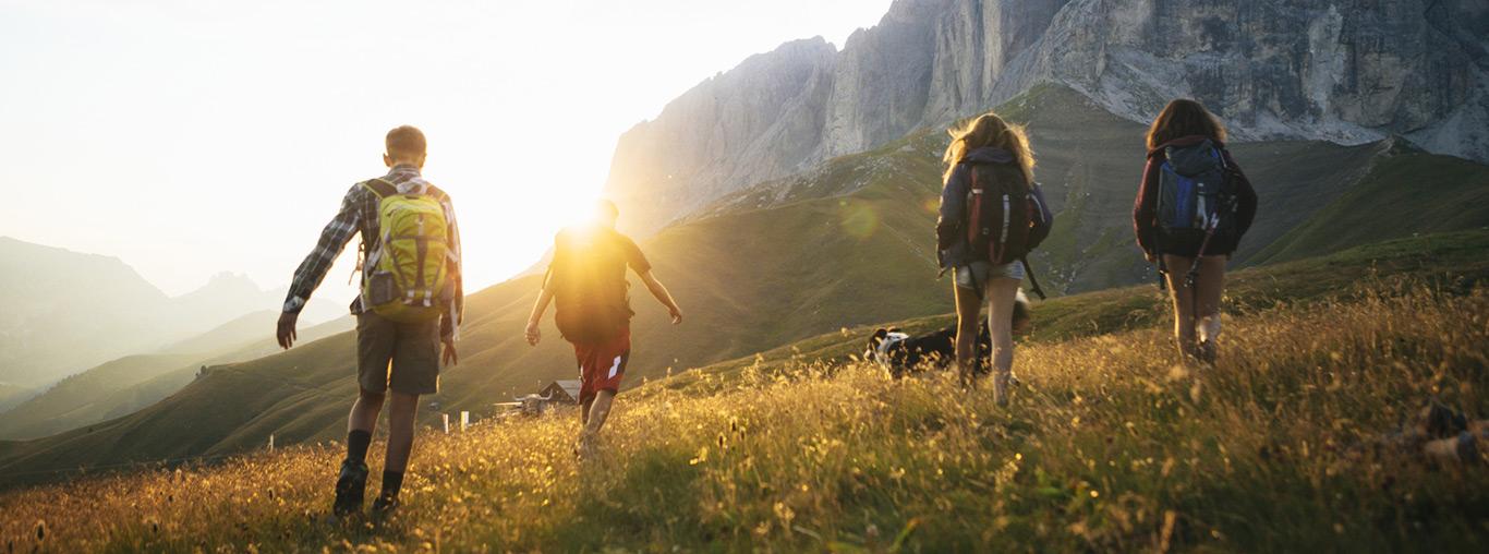 youth-hiking